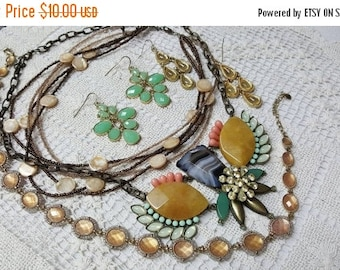 Go With The Snow 40% off Jewellery Ready to Wear Pierced and necklaces lot Thrill of  the  Hunt