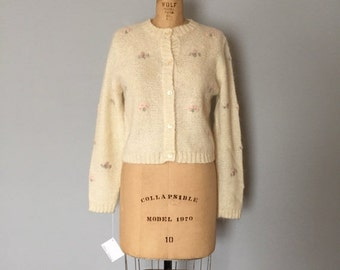 30% OFF WINTER SALE... cream white mohair crop cardigan | flower  embroidery cardi