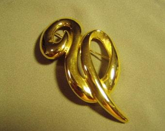 Vintage 1980s Swirling Yellow Gold Tone Pin Signed Tara 9114