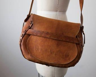 Vtg Whiskey Brown Leather Tooled Bag Purse Saddle Stitched Western Horseshoe 70s Boho