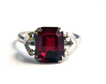 Vintage Silver Red Garnet Solitaire Ring - Cut Glass Paste - January Birthstone Ring - Size 7 - ESTATE