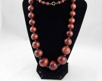 Vintage Art Deco Era Graduated Wood Round Ball Bead Necklace