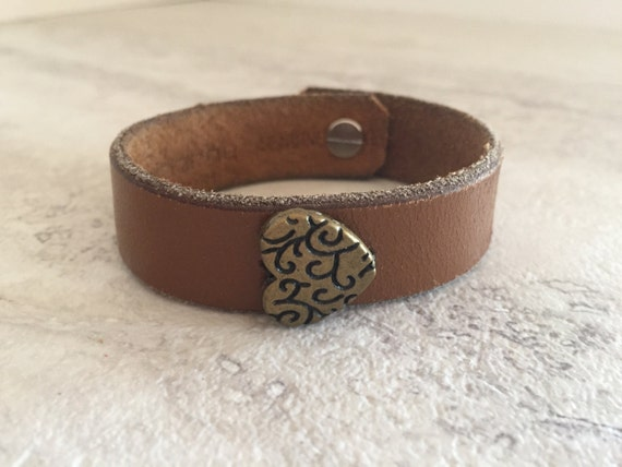 Handmade Women's Leather Bracelet Tan Thin with Heart