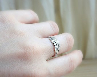 Feather ring, sterling silver stacking ring