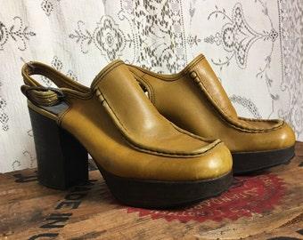 Mustard leather, Famalore 1970s vintage, platform, slingback mule, clogs. Womens 6 1/2