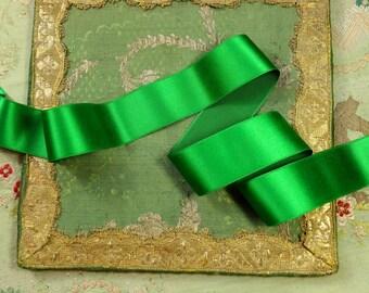 "1 yard  Antique silk satin ribbon rich  green shade 1.25"" wide  art deco millinery hat trim ribbonwork"