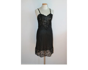 1950s Vanity Fair Black Lace Full Slip