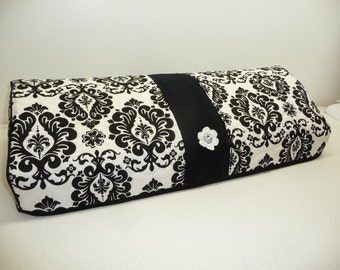 Silhouette Cameo 3 Cover - Delightful Damask  - Quilted Cameo 3 Cozy