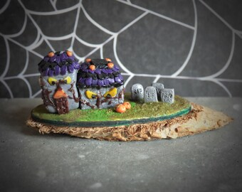 Miniature Halloween Mansion with Cemetary Garden - OOAK 1:12 Scale Miniature - 100% Handmade by Mini Takeouts