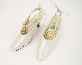 VINTAGE 1990s Net Heels Pearl Leather Pumps Size 6