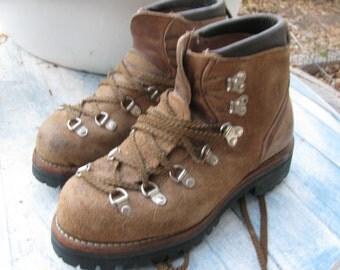 70s vasque hiking boots vintage 1970s distressed brown. Black Bedroom Furniture Sets. Home Design Ideas