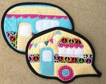 hot pad, pot holder, potholder, camper, camping, vintage camper, kitchen, baking, cooking, yellow, pink, blue, peace