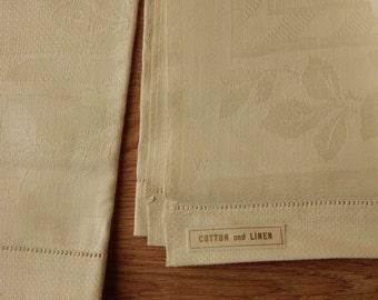 2 Vintage Cotton & Linen Damask Hand Towels  31 x 17  Un-Used NOS   OJ15