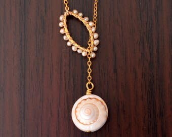 Real Seashell Lariat Necklace, Pearl Wrapped Link, Peach Freshwater Pearl, Long Sea Shell Necklace, Gold Beach Jewelry, Free Shipping