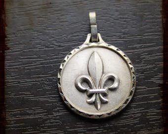 Vintage French Silver fleur de lis pendant - medal from France for Jewelry assemblage projects