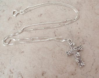 Sterling Silver Cross Necklace Leaf Vine Motif 16 Inch Chain Vintage 111616BT