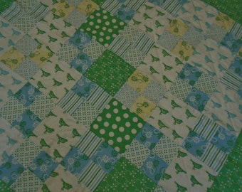 Baby Quilt in green blue and yellow, Baby Quilt with Birds, Crib Quilt, Baby Blanket, Gender Neutral Patchwork Baby Quilt, Baby Boy Quilt