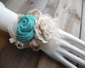 Will Ship in 5 days ~~~ Tiffany Sola Flower Wrist Corsage