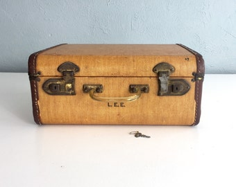 Vintage Suitcase, Antique Small Tweed Suitcase with Lucite Handle, Vintage Luggage, 1920s 1930s 1940s, with Key
