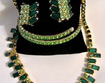 Vintage Emerald And Peridot Green Rhinestone Necklace, Earrings And Bracelet Set