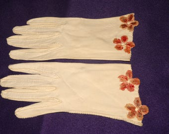 Vintage Ivory Gloves Size Small Flowers Vera Vogue