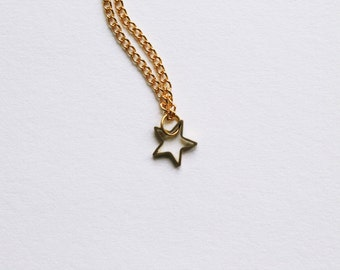 tiny dainty star -necklace (gold plated triangle charm and gold plated chain minimal discreet neckpiece)