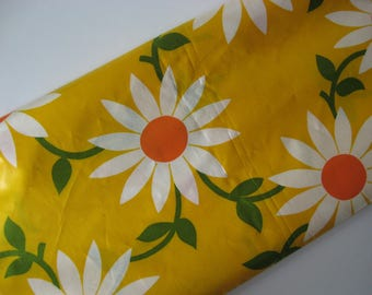 Retro mod daisy floral cotton chintz yellow green white  with sheen vintage fabric material