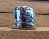 Spoon Ring size 7 wrap around style Queen Bess pattern slightly adjustable free shipping 30