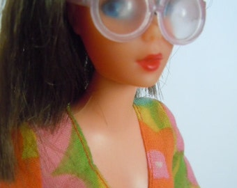 Vintage Living Barbie Mod Flower Wower Collectible Barbie