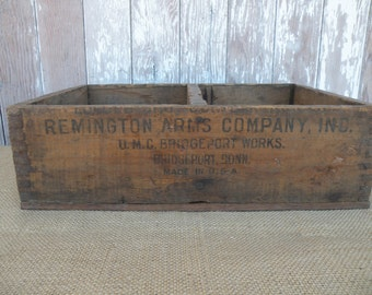 Vintage Remington Arms Company , Connecticut , Display box ,  wood crate