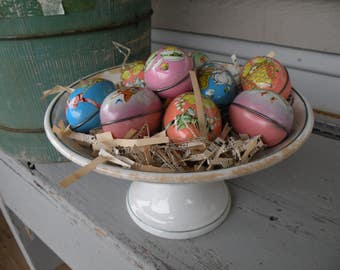 Set of 9 , Vintage metal Easter eggs  Bunnies , Chicks  and Ducks Made in England