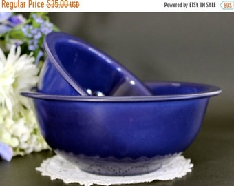 Pyrex Mixing Bowls, Glass Ware, Kitchen Vessels, 2 Clear Bottom Blue Bowls 13389