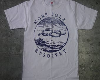 latin words and figure eight knot graphic tee:  Mors Sola Resolvet-Only Death Unties It-Hanes S
