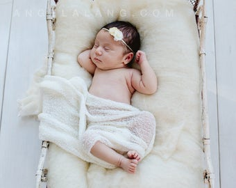 Natural White Wool Fluff Basket Stuffer, 1 lb., Cream, Newborn Photography Prop, Wool Batting, Fleece
