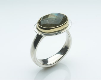 Faceted labradorite stone ring set in 18kt bezel on a Sterling Silver ring - platform ring - non-traditional bridal jewellery - Size P ring