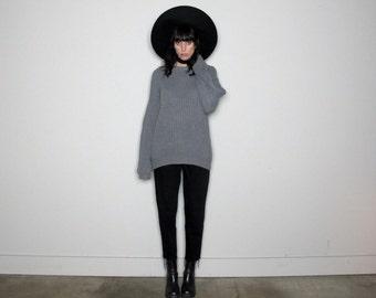 20 DOLLAR SALE Grey Over-Sized Sweater 90s Minimal Boyfriend Sweater Grunge Vintage Size L
