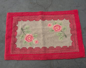 Primitive Hooked Rug Asian Influence CASUAL HOME STYLE Primitive Folk Art Welcome Mat Vintage Antiqued Wall Hanging Art Floral Rose Rustic