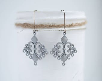 "NEW The ""Anna"" Medium sized Filigree Earrings - Ultra Lightweight - Great for Gifts (22 colors)"