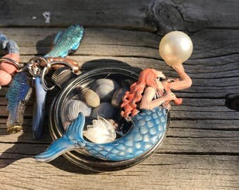 Custom Made MERMAID Holding A giant seashell Pearl. Pocket watch Locket. VINTAGE glass & rock necklace. Lucite and Lampwork Glass Fish Beads