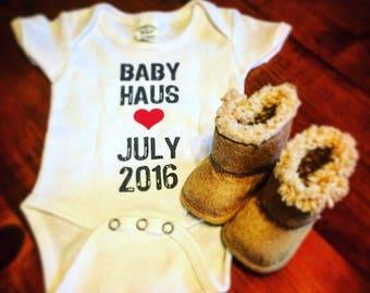 Pregnancy Announcement Onesie Baby Birth Prego Fun Ways Creative Personalized Custom Customized Social Media Facebook Twitter Instagram