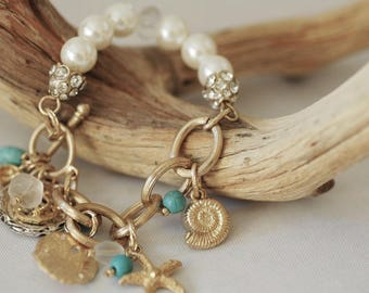 Dangle Bracelet, Charm bracelet with sea shell dangles, Pearl Dangle Bracelet, Gift for her, Gold and pearl