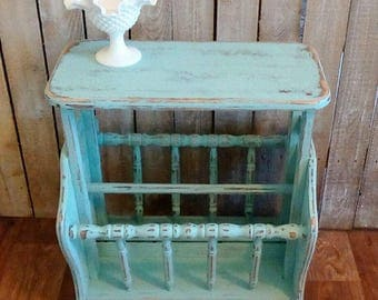 Vintage Table, Small Side Table, Aqua Nightstand, Blue Magazine table, Painted End Table, Beach Cottage,Coastal, Shabby Cottage, Home decor