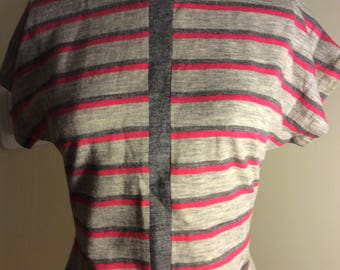 1950s Lightweight Wool Knit Top Button Back Hot Pink Gray Small