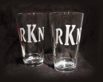 Etched Monogramed Pint Glasses - Set of 2 - Custom Pint Glasses - Personalized Beer Glasses - Monogrammed Pint Beer Glasses