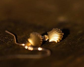 Tiny Shell Earrings Brass Sea Shell Dangles Petite Shell Nautical Earrings Sea Shell Jewelry - E124