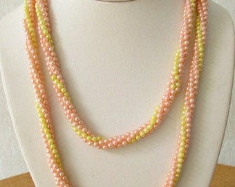 vintage 60s crocheted necklace pink yellow pearls hand made mod scooter girl