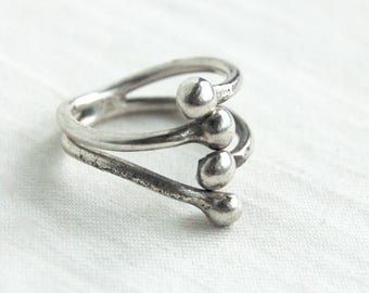 Interlaced Mexican Ring Sterling Silver Adjustable Wrap Ring Size 7 .5 Vintage Stacked Orbs Industrial Jewelry