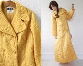 Floor Length Robe, Mustard Yellow, Quilted Taffeta, Double Breasted Bathrobe with Hip Pockets, Loungewear, by Carson Pirie, size XL, Vintage