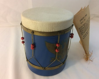 Vintage Unique Music Box. Wood Leather Replica 1775 American Revolution War Drum. Plays Yankee Doodle Dandy. William Diamond Pamplet.