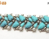Very Pretty Vintage Aqua Bracelet Turquoise Teal Faux Pearl 1950's 1960's Mod Lucite Jewelry Mid Century Modern Old Hollywood Glamour